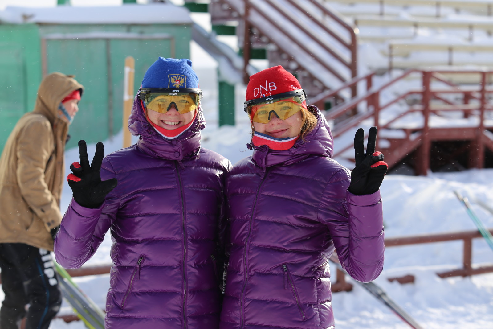 Сестры - близнецы Зайцевы Зоя и Елена